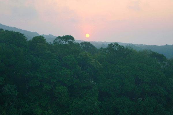 Рассвет над островом Роатан / Фото из Мексики