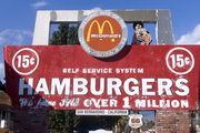 Первый ресторан братьев Макдоналд / США