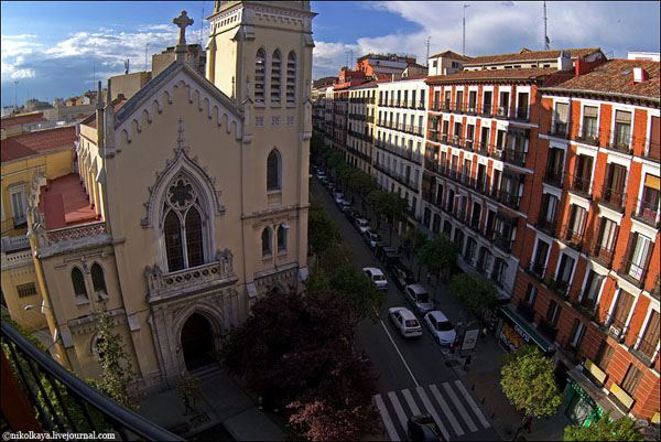 Вид из окна хостела Gallardo, Мадрид / Фото из Испании