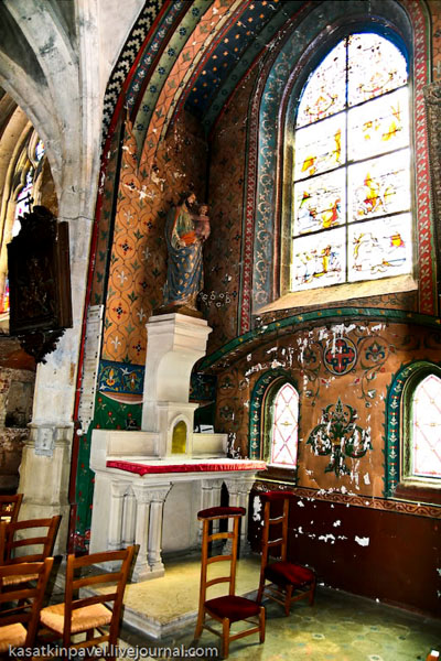 В церкви XII века Сент-Эньян, Шартр / Фото из Франции