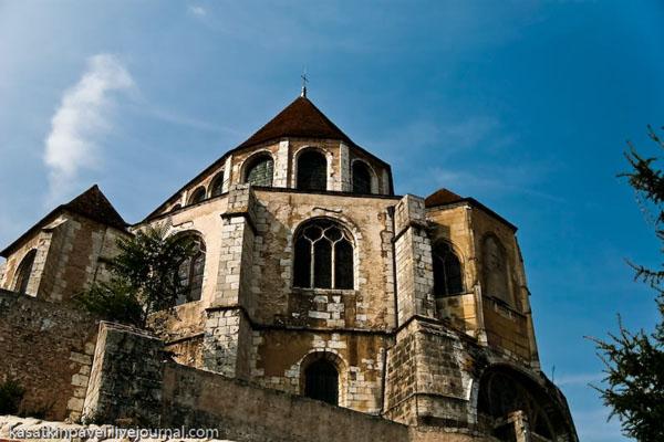 Шартрский собор славится коллекцией средневековых витражей / Фото из Франции