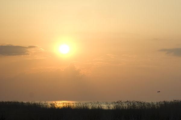 Закат над Балтийским морем, остров Кихну / Фото из Эстонии
