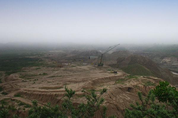 Самый большой в мире карьер по добыче янтаря открытым способом, Янтарный / Фото из России