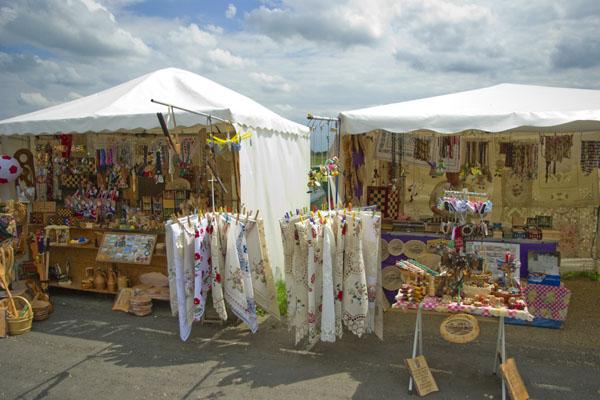 Сувенирные лавочки в Хортобадьской пусте / Фото из Венгрии
