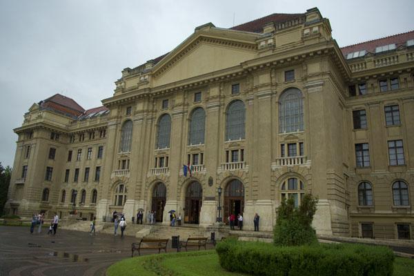 Главное здание университета в Дебрецене / Фото из Венгрии