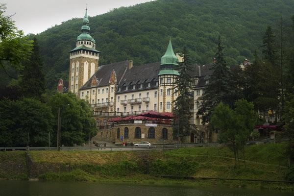 Отель-замок Hunguest Palota - визитная карточка Лиллафюреда / Фото из Венгрии