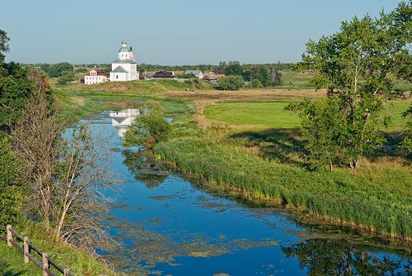 Река Каменка и Ильинская церковь, Суздаль / Фото из России