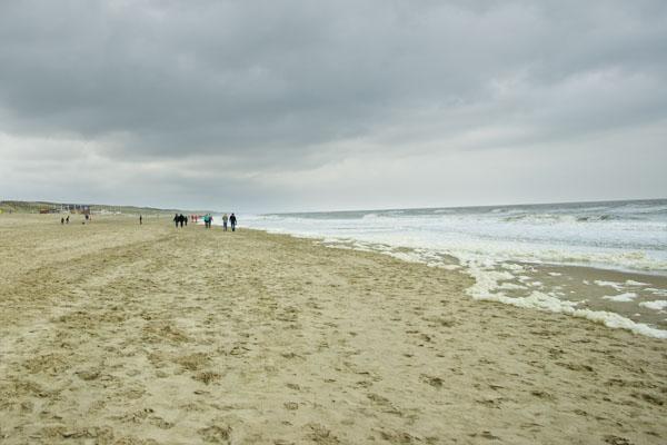 Бесконечный песчаный пляж, Нордвейк / Фото из Нидерландов