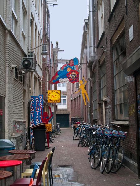 Вывеска Rent-a-Bike Damstraat / Фото из Нидерландов