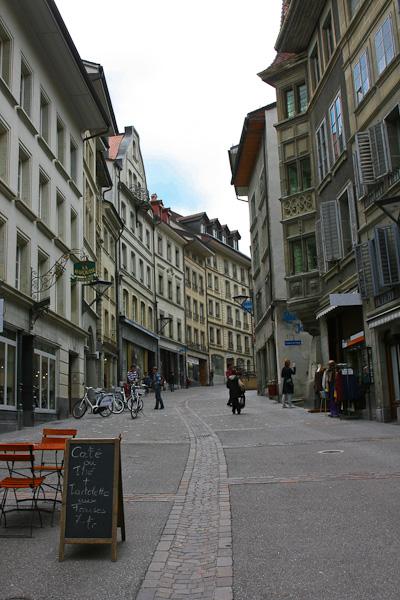 Улица к центру / Фото из Швейцарии