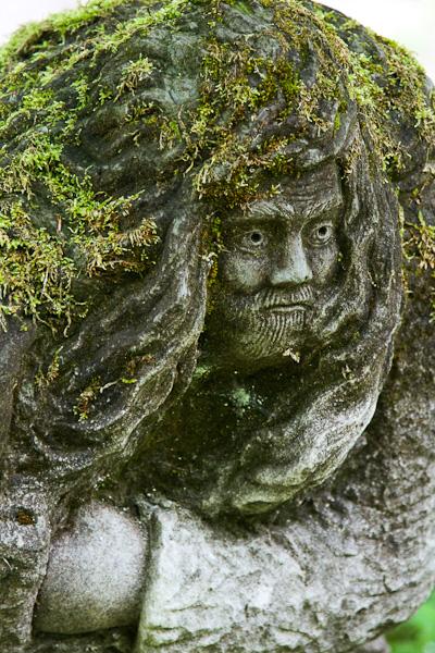 Скульптура у дороги / Фото из Швейцарии