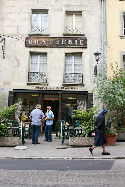 Обычный маленький ресторан / Фото из Швейцарии