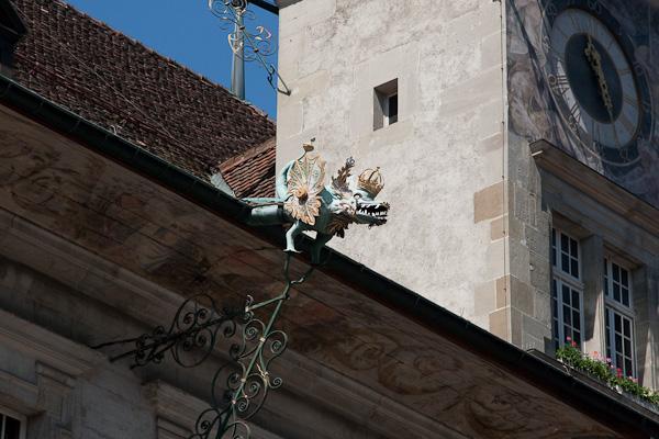 Драконы на крышах / Фото из Швейцарии
