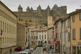 Замок на возвышенности / Испания
