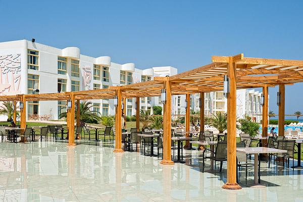 Ресторан Sun Flower – основной ресторан отеля Sol Y Mar Riva Club