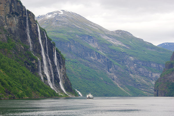 """Водопад """"Семь сестер"""" - популярная достопримечательность Норвегии / Фото из Норвегии"""