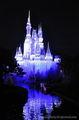 Замок изменяет цвета / США