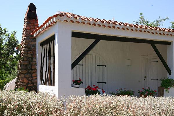 Приятный дачный домик в Байя-Сардиния / Фото из Италии