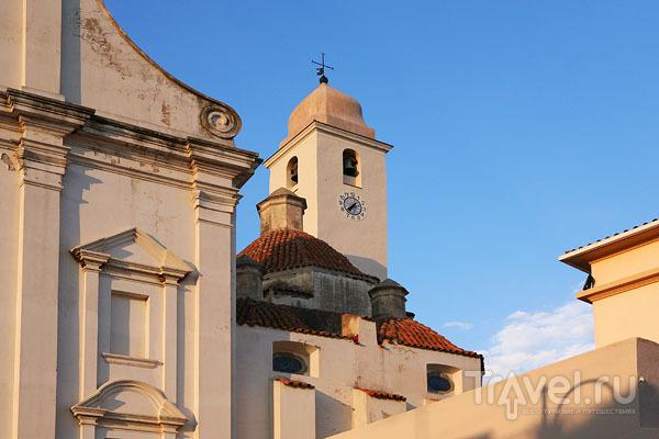 """Башня Сан-Антонио """"пизанского"""" времени, городок Орозеи / Фото из Италии"""