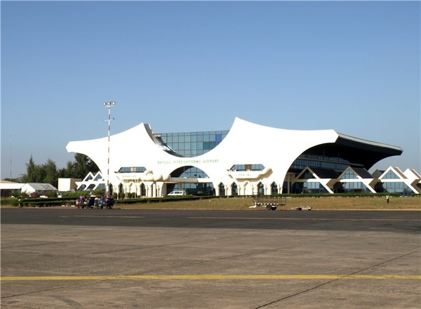 Современный аэропорт в Банжуле, Гамбия / Фото из Гамбии