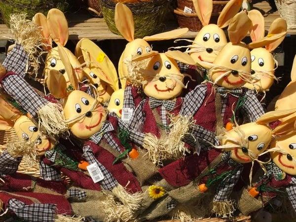 Пасхальные зайцы на ярмарке в Нюрнберге / Фото из Германии