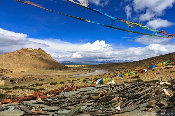 На берегу озера Манасаровар / Фото из Китая