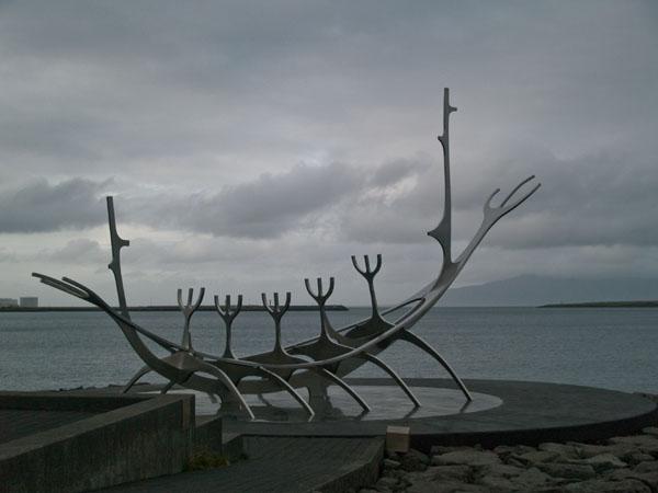 """""""Викингская"""" достопримечательность Solfar в Рейкьявике / Фото из Исландии"""