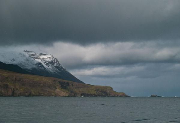 Вход в залив у Хусавика / Фото из Исландии