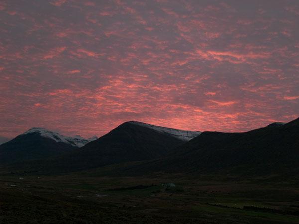 Закат над горами Исландии / Фото из Исландии