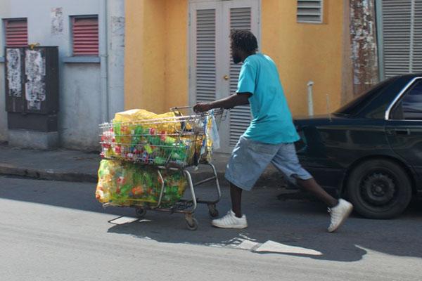 Житель Бриджтауна / Фото с Барбадоса