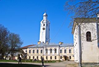Падающая башня / Россия