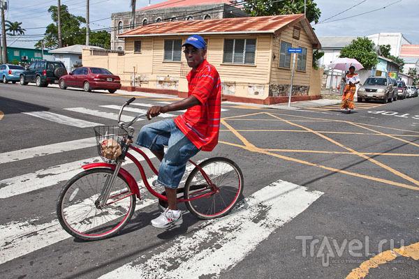 Житель города Сент-Джонс / Фото из Антигуа и Барбуды