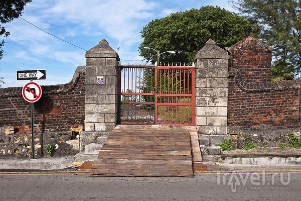 Вид города Сент-Джонс, Антигуа / Фото из Антигуа и Барбуды