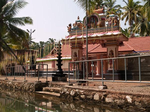 Индуистский храм на острове Munroe  / Фото из Индии