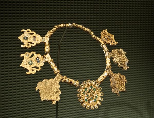 Золотое колье, музей арабского искусства / Фото из Индии