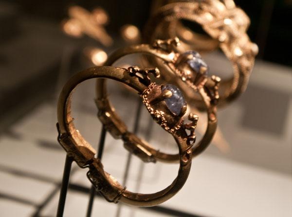 Золотые браслеты, музей арабского искусства / Фото из Индии