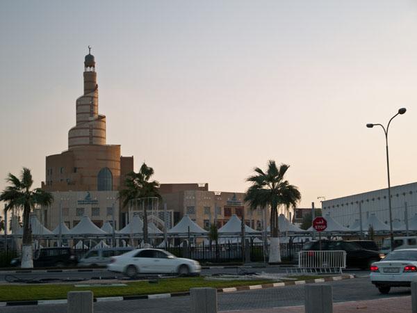Мечеть Souq Waqif в лучах заката, Доха / Фото из Индии