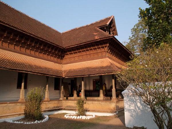 Внутренний двор дворца Puthe Maliga, Тривандрум / Фото из Индии