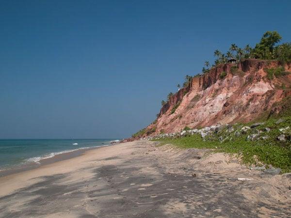 Строящиеся гостиницы на вершине South Cliff, Варкала / Фото из Индии