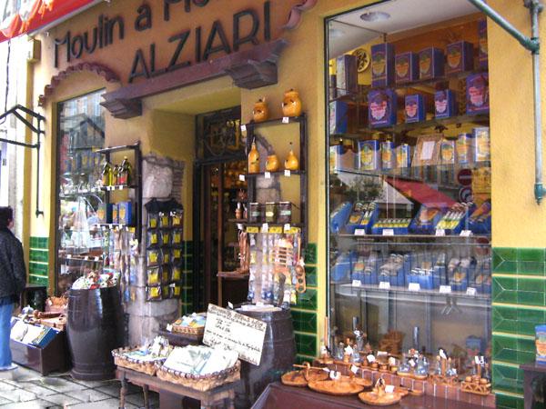 Магазин у площади Кур-Салейа в Ницце / Фото из Монако
