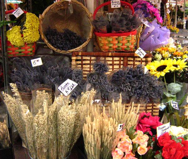Цветочный рынок Кур-Салейа в Ницце / Фото из Монако