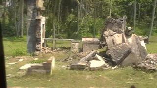 Останки жилищ, разрушенных цунами  / Шри-Ланка
