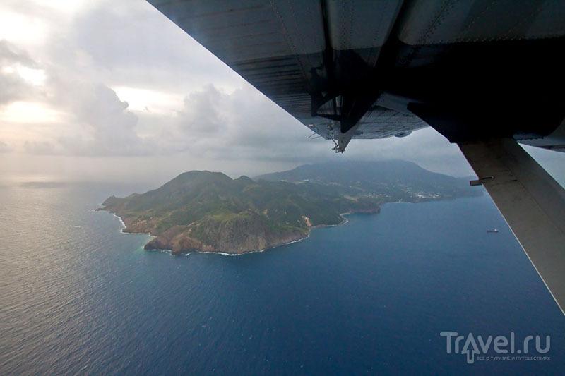 Вид на Монтсеррат из самолета / Фото из Монтесеррата