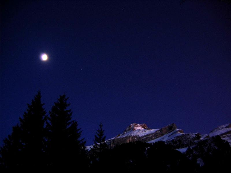 Ночь над Ле-Дьяблере / Фото из Швейцарии