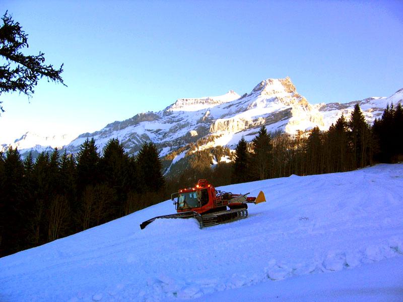 Ратрак на склоне массива Мейере / Фото из Швейцарии