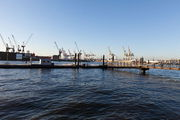 Краны старого порта / Германия