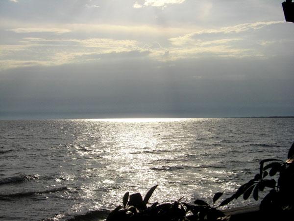 Озеро Танганьика в Бурунди / Фото из Конго (бывш. Заир)