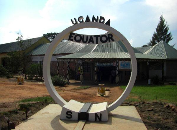 Здесь проходит экватор, Уганда / Фото из Конго (бывш. Заир)
