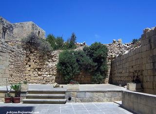Лестницы и площади / Мальта