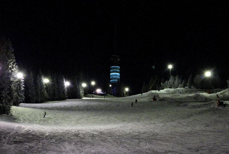 """""""Зеленая"""" трасса в зимнем парке Tryvann, Осло, Норвегия / Фото из Норвегии"""